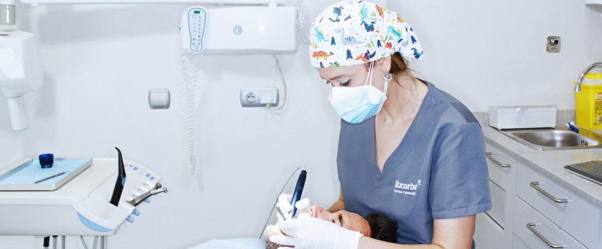 higienista dental especialista de prevención en salud bucodental Clínica Ilzarbe